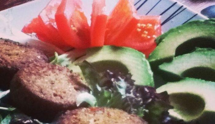 Cropped_avocado_salad